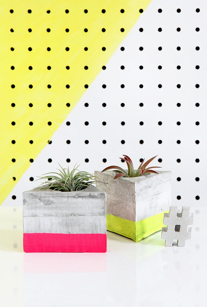 DIY Triangle Cement Airplant Holder