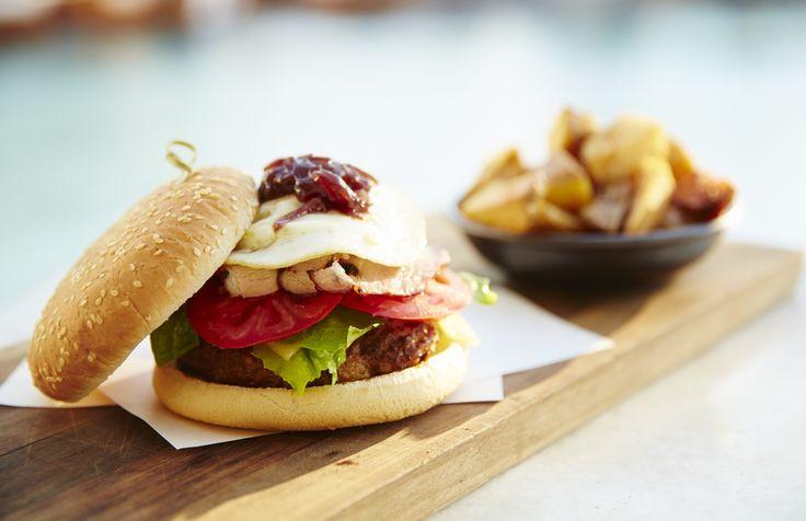Burger at the Belvedere Club, Belvedere Hotel Mykonos. Photo credits: John Russo