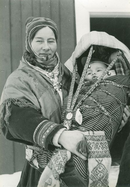 Mor med barn i komse by Preus museum, Mother and Child in Finmark, Norway. via Flickr