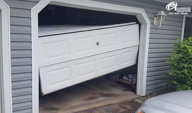 Appoint The Professionals Of Superior Garage Door For Same Day Garage Door Services In Saint Paul Contact Us Today Garage Doors Door Repair Best Garage Doors