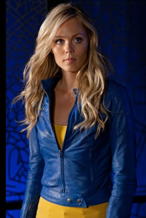 Kara Kent as Supergirl #smallville #S10E3 #kara-el
