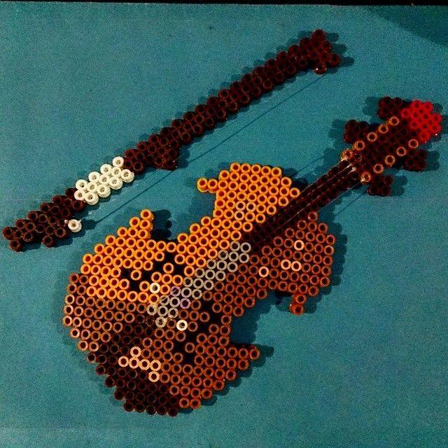 Violin hama perler beads by eduardoatom