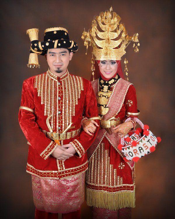 Model Baju Pengantin Tradisional