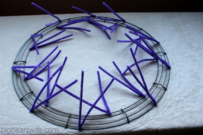 How To Make a Deco Mesh Wreath Form  {Work Wreath}  | BigBearsWife.com