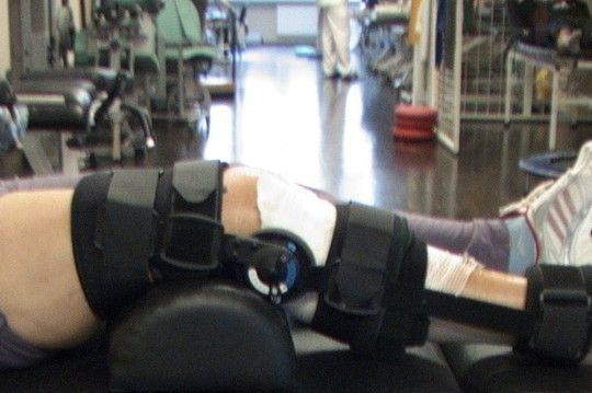 Ćwiczenia we wczesnej fazie po operacji stawu kolanowego.
