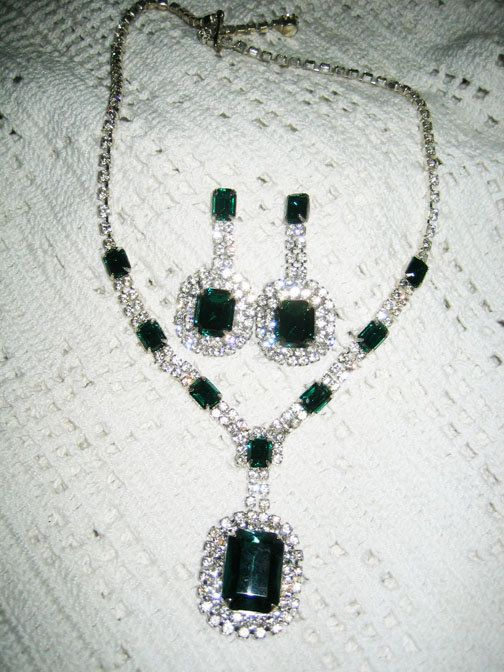Vintage Clear  Emerald Green Rhinestone Necklace  by lx1041, $33.00