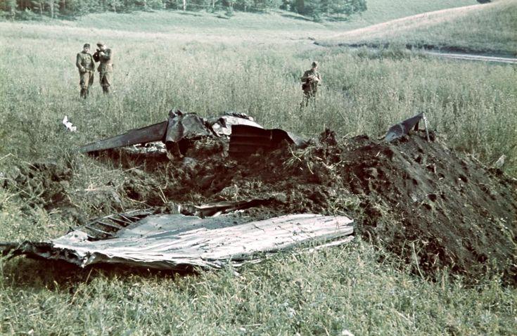 Horthy István lezuhant repülőgépének roncsai 1942 augusztus 20-án.