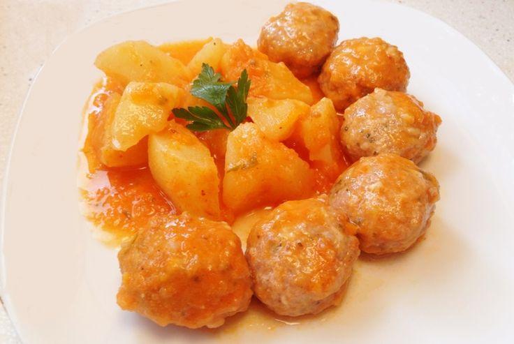 Receta de albóndigas con patatas en Cooking Chef | Travelcooking - Recetas y Viajes