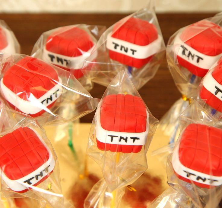 """Взрывные """"кубики"""" ТНТ 💣очень популярны среди фанатов игры Майнкрафт, именно поэтому такие кейкпопсы от Абелло  станут отличным дополнением к тематическому празднику или просто к тортику. Интересные пирожные на палочках из одноимённой игры покорят сердца ваших любимых малышей!👼  Заказать #кейкпопсы можно всего за 360₽/шт. А при заказе набора кейкпопсов из 10 шт. с тортиком, их стоимость всего 2400₽/наб😉  Менеджеры #Абелло готовы помочь с выбором красивого и качественного десерта по любому…"""