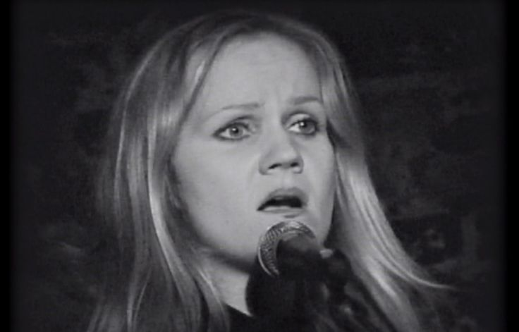 "My favorite version of ""Over the Rainbow"" by the late Eva Cassidy.  Beautifully performed as a ballad."