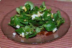 Nüsslisalat an Honig-Vinaigrette - Chuchitisch