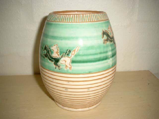 HAUNSÖ/HAUNSØ KERAMIK vase. #klitgaarden #haunsökeramik #haunsøkeramik #haunsö #haunsø #danishdesign #danishceramics #danishpottery #danskkeramik #vase SOLGT/SOLD on www.klitgaarden.net..