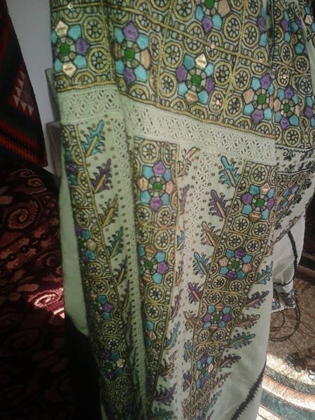 Detail of vintage traditional Romanian blouse (IIE) via FB page Costume Populare Vechi/ Ionut Fintoiu