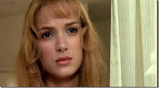 Winona Ryder in Edward Scissorhands   The 90's Don't Have ...