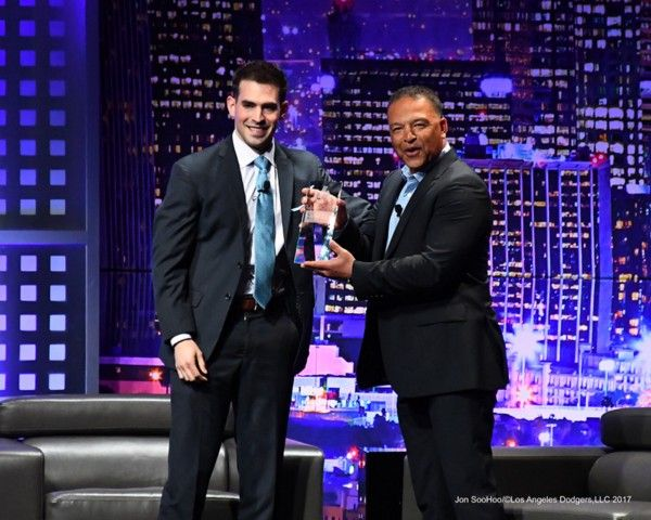 Immediately following yesterdays spring game Dave Roberts, broadcaster Joe Davis and photographer Jon Soohoo flew back to Los Angeles to attend the LA Sports Awards at the Beverly Hilton. Roberts won the 2016 coach of the year award and Davis conducted a live interview with him on stage.