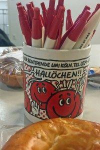 Die Blutspendezentrale ist sicherlich nicht Kölns gemütlichster Ort. Aber sie ist wichtig für uns alle.