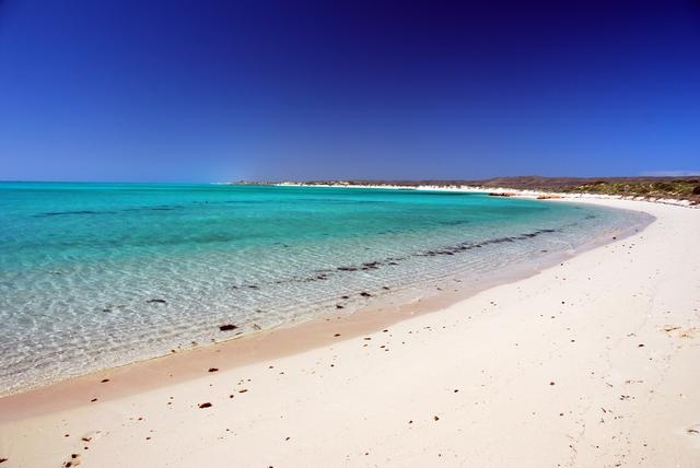 Turquoise Bay is one of the best beaches in Western Australia. Or maybe in the world?    #Travel #DanCamacho