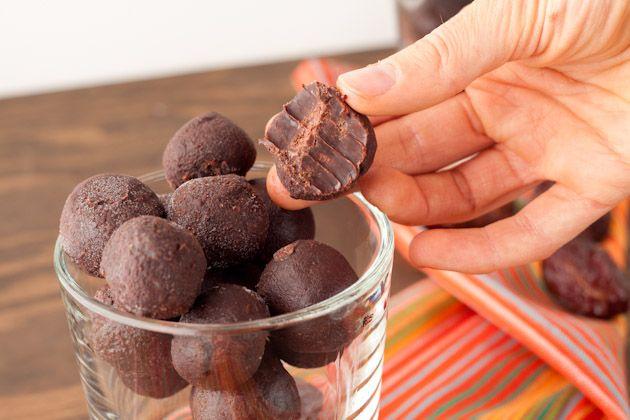 5 Ingredient No Bake Fudge Drops    Vegan, Gluten free, Dairy free, Sugar free, Yeast free, Corn free, Grain free