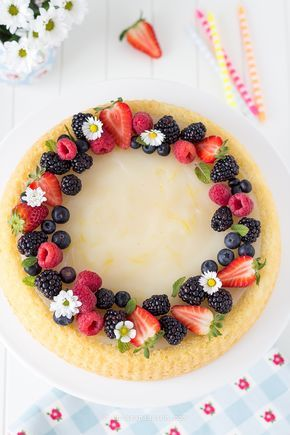 Crostata di frutta con base morbida e crema al limone senza uova all'acqua. (Recipe Fruit pie, fruit tart) chiarapassion