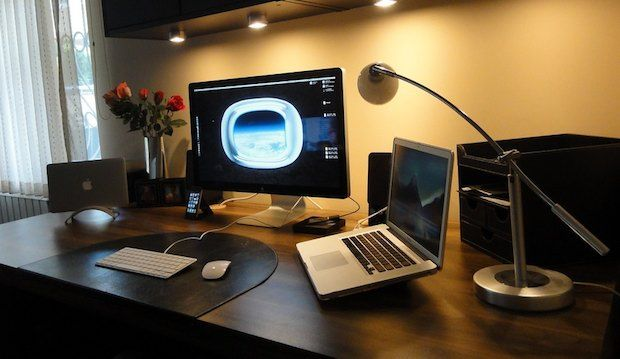 how to use macbook as monitor for iphone