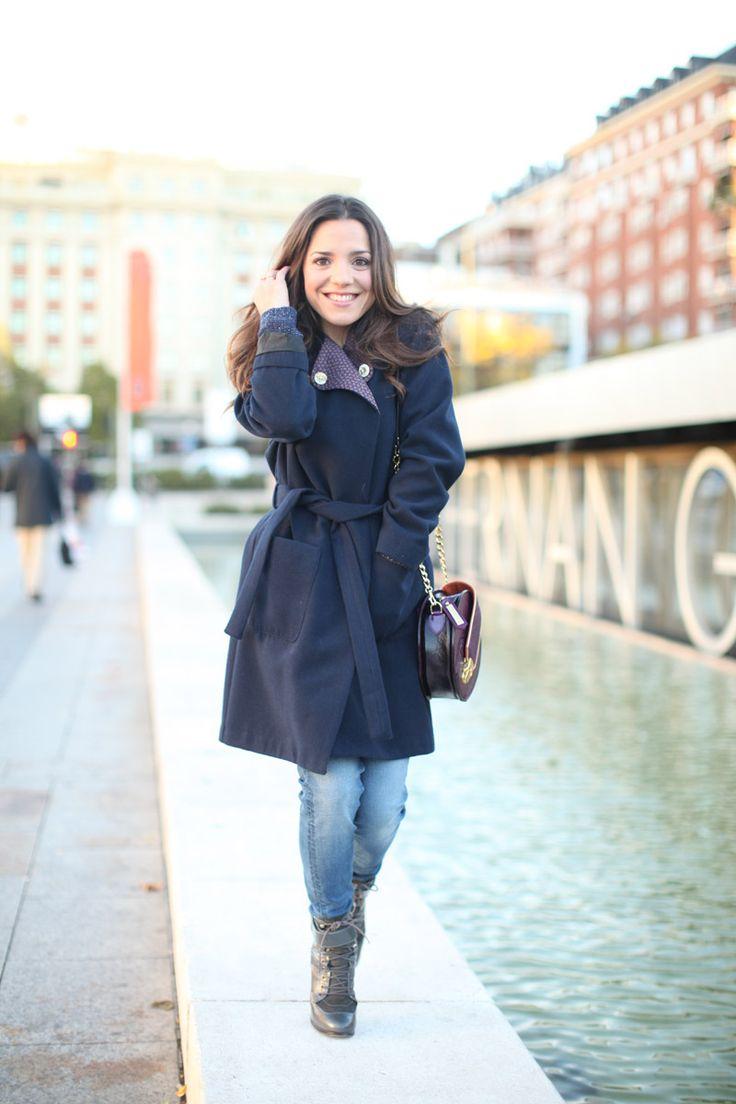 Abrigo en azul marino #look #estilo