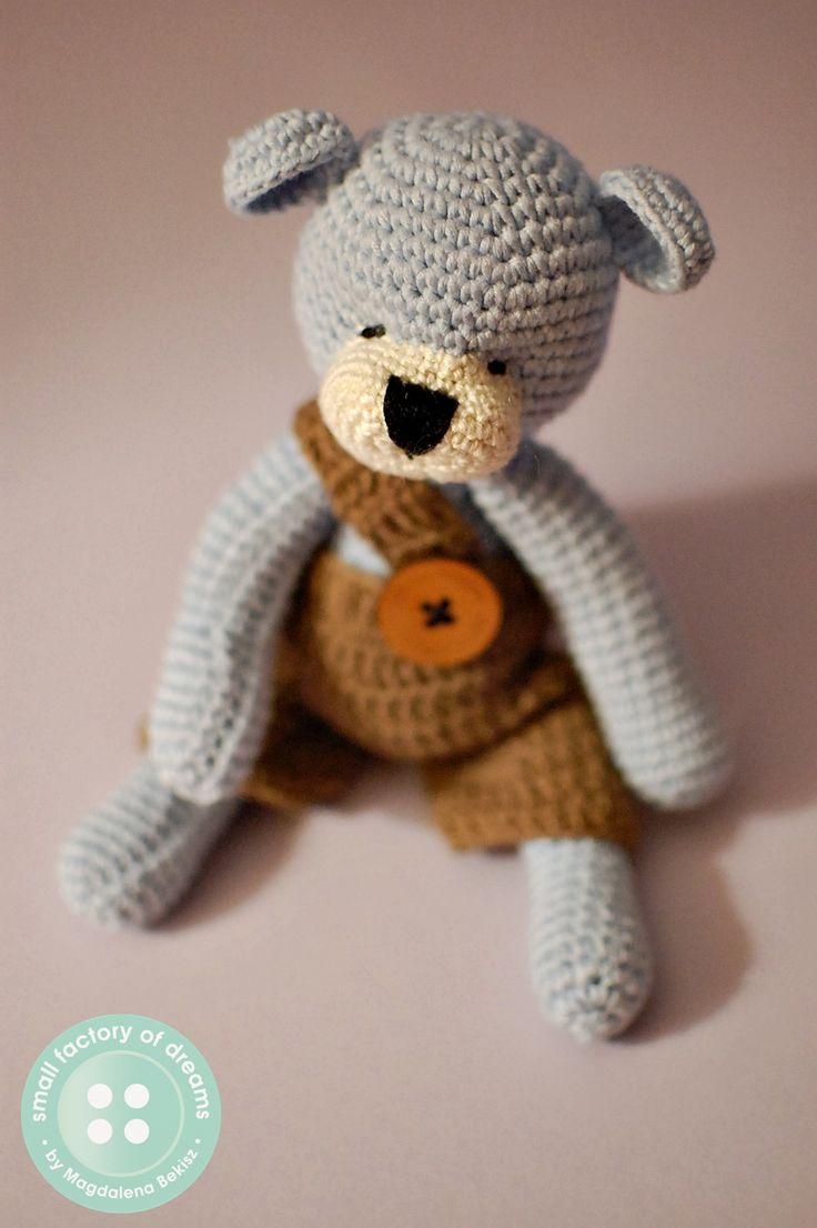 crochet teddy bear by small factory of dreams