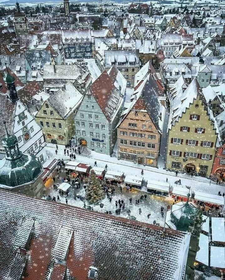 Rothenburg Ob Der Tauber Im Schnee Christmas In Germany Rothenburg Rothenburg Ob Der Tauber
