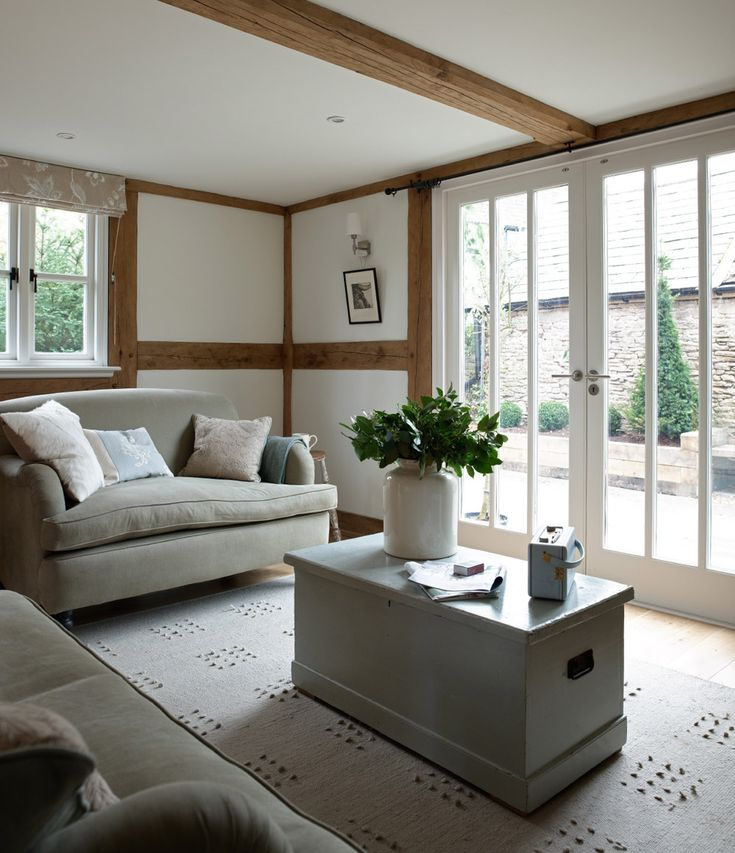 16 Stunning French Style Living Room Ideas: Living Room To French Doors