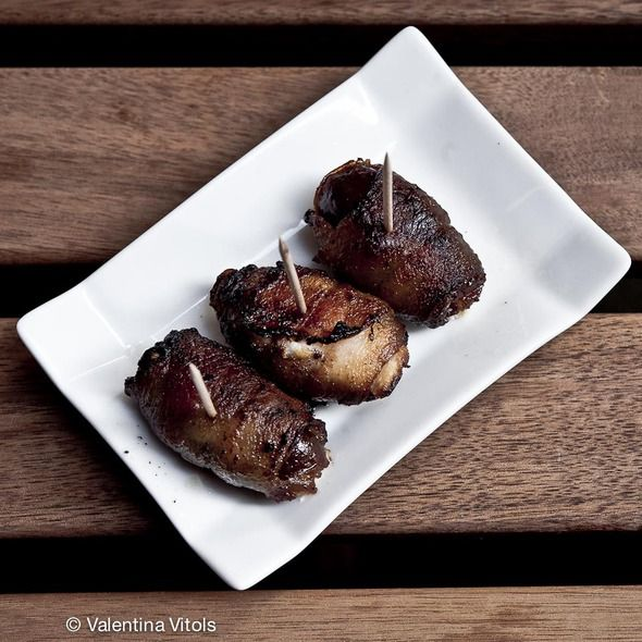 Bacon Wrapped Dates - I love these at Pintxo! Perfect appetizer!