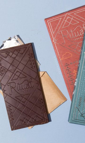 Using just cacao beans and organic cane sugar, Robbie Stout and Anna Davies specialize in single-origin dark chocolate bars, showcasing how remarkably different a 75% dark chocolate bar can taste if the beans are from Belize (cherry and smoky tobacco) versus Peru (floral and herbaceous) or Madagascar (berries and nuts).