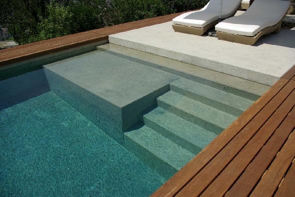 Piscines Carré Bleu, construction, rénovation et entretien de piscine traditionnelle