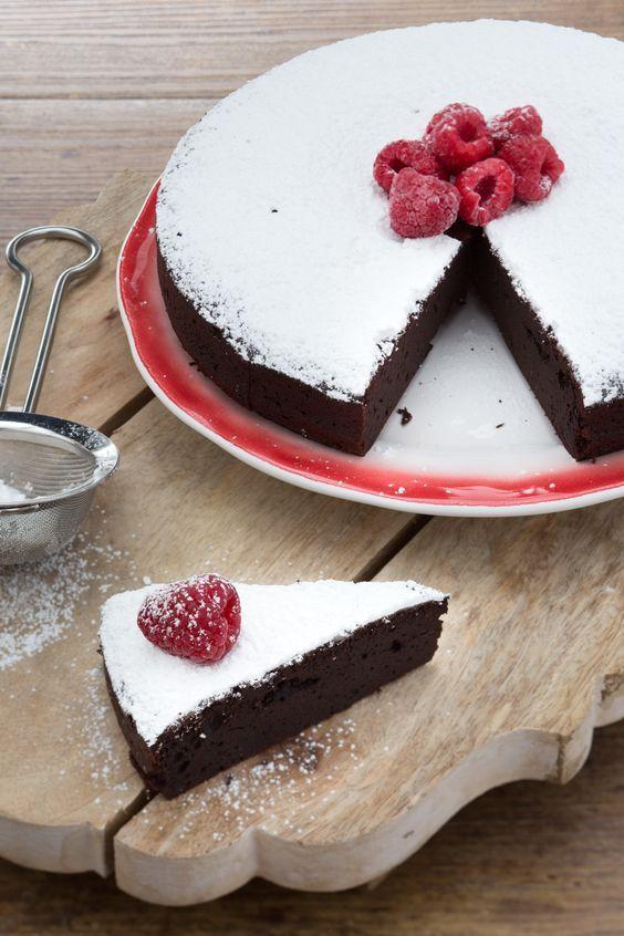 Torta al cacao: un concentrato di pura golosità! [Chocolate cocoa cake]