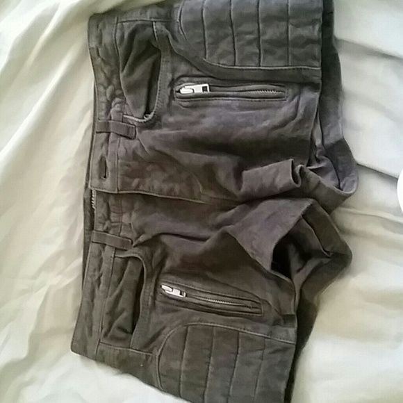 Allsaints Nash biker shorts NWT $338 grey leather New with tags leather shorts from allsaints grey/toupish leather with side padded detail two back pocket and two zipper pockets in front All Saints Shorts Jean Shorts
