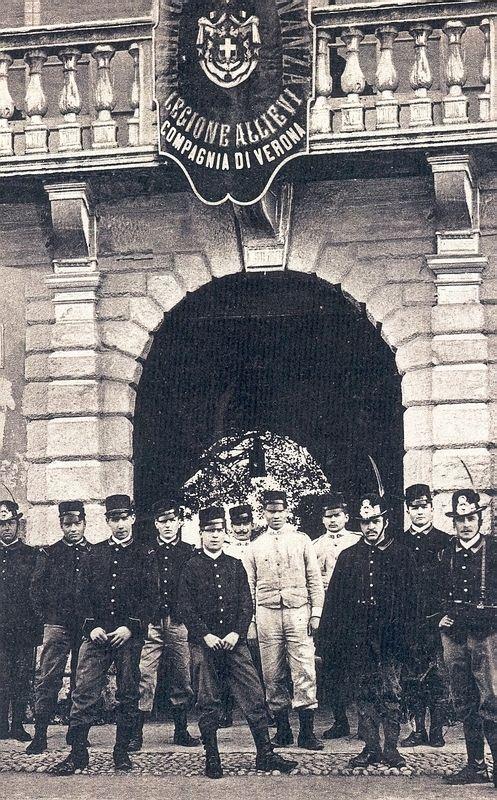 Verona - Via xx settembre - Regia Guardia di Finanza (legione allievi)
