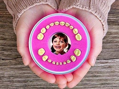 Caja para guardar dientes de leche rosa http://www.milideaspararegalar.es/producto/caja-para-guardar-dientes-de-leche-rosa/