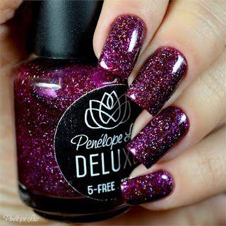 Irresistible da Coleção DELUXE da Penélope Luz. Glitter. Indie. Esmalte Artesanal. Glamour. Nails. Nail art. Unhas.