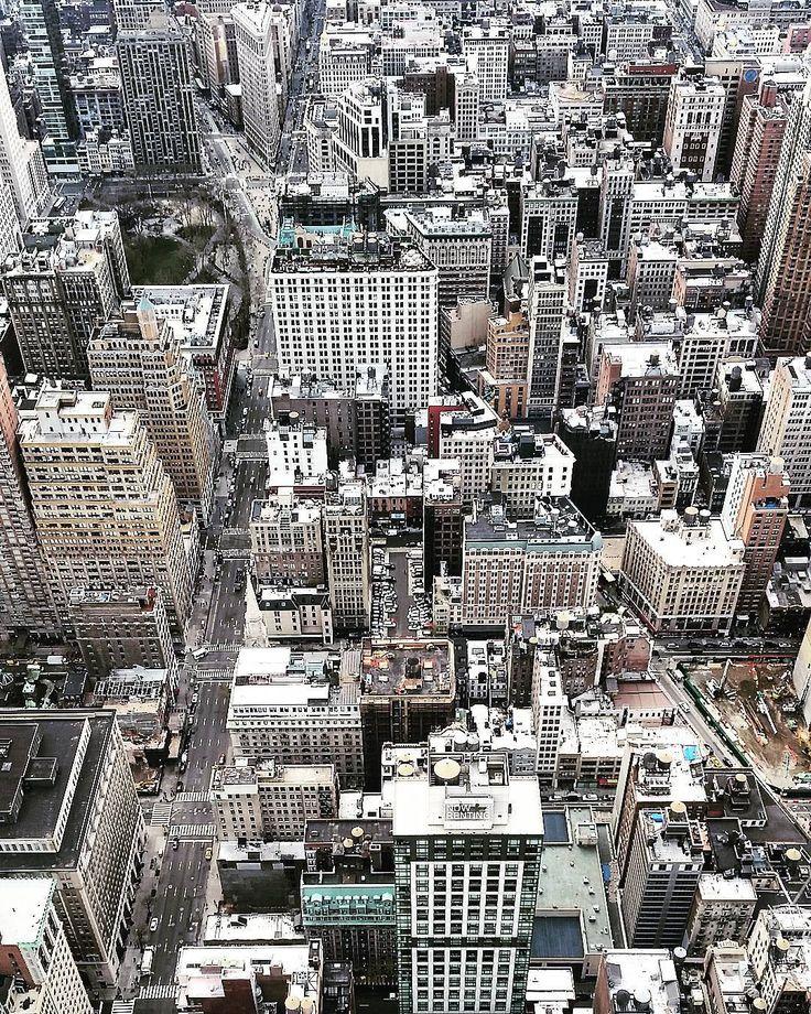 """""""La vertigine non è paura di cadere ma voglia di volare"""" pt. 2 #empirestatebuilding #newyork by french985"""
