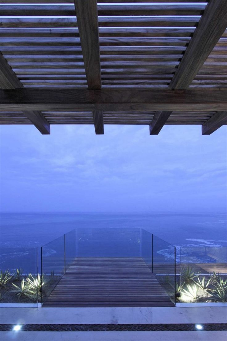 Cantilevered Jetty Desgin With Glass Balustrade