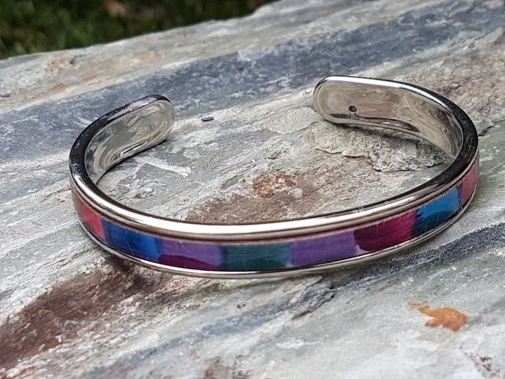 Gorgeous silver bangle with leather inlay