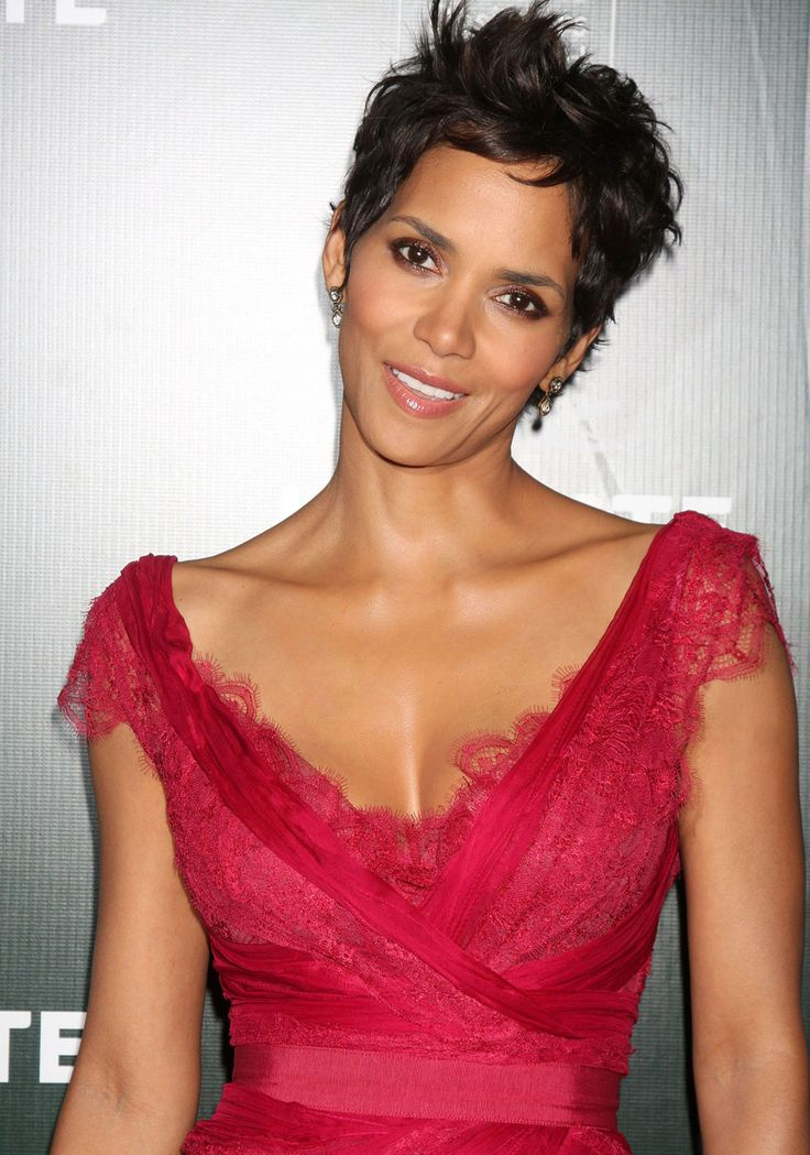 halle berry's sister | Cele|bitchy » Blog Archive » Halle Berry's half sister says that ...