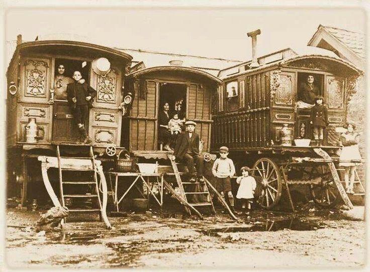 Traditionele door paarden getrokken woonwagen, zoals Engelse Roma die gebruikten als hun onderkomen.