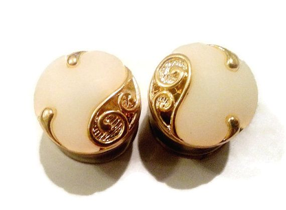 Victorian Gold and Creme Plugs sizes 0g8mm by LunaAndEvesBoutique, $17.00