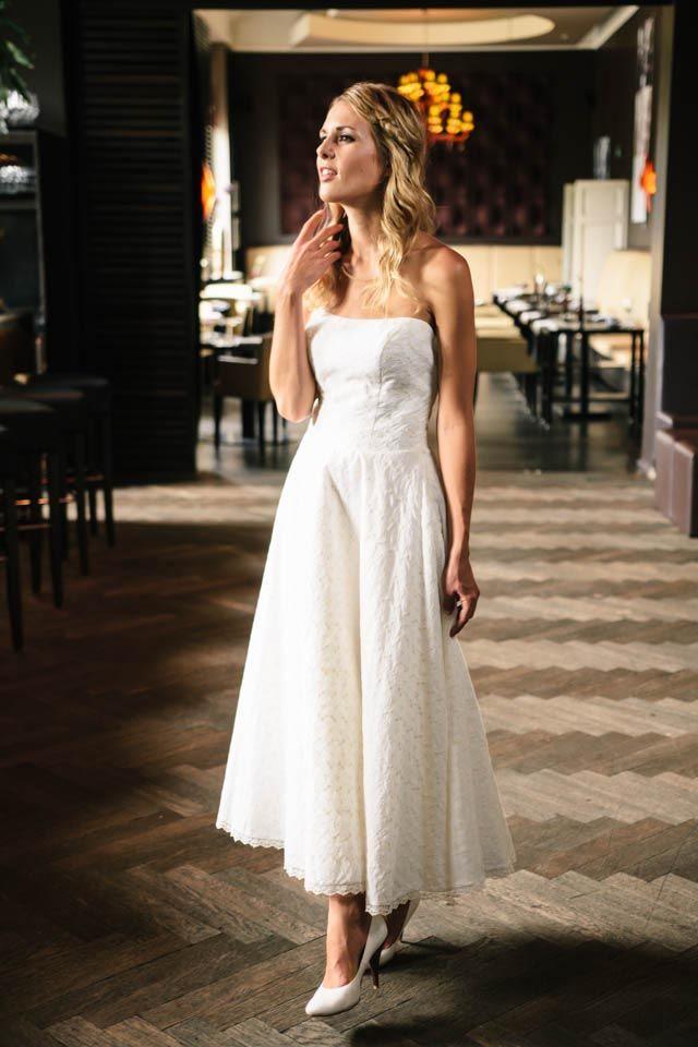 Wenn du ein außergewöhnliches Hochzeitskleid suchst, bist du hier bei Babette genau richtig. Ein Brautkleid in 7/8 Länge aus Baumwolle und noch viel viel mehr ..