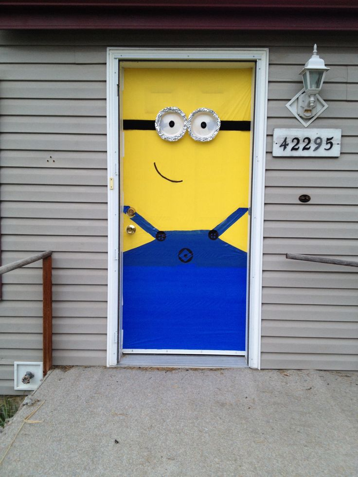 despicable me minion front door for halloween