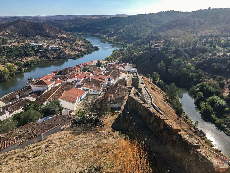 Scenic MERTOLA Portugal and its castle - Video - Photos - Info Scenic Castle Mertola