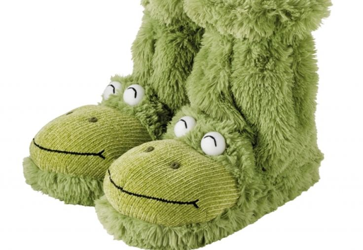 These Fun For Feet Aroma Home Green Frog Boot Slippers will keep your feet nice and warm on a cold morning. They are soft and cuddly on your feet. The soles are a textile material. They will fit up to a women's size 9&1/2 shoe.