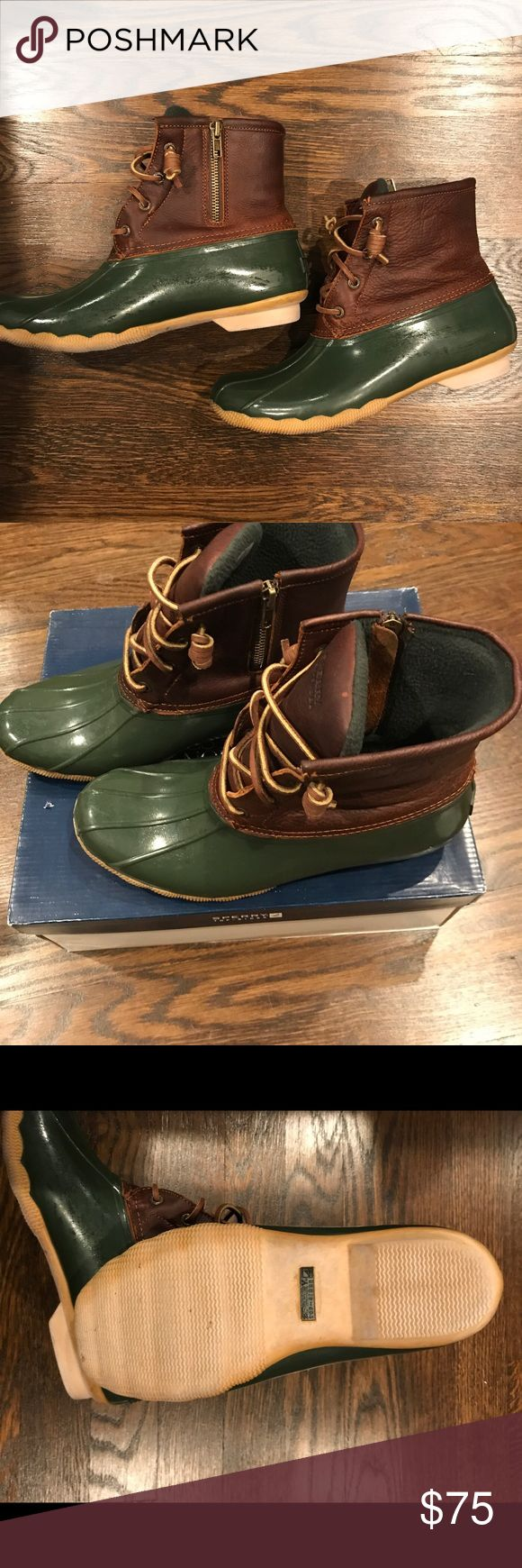 SPERRY RAIN DUCK BOOTS Saltwater Tan & Green 9 SPERRY RAIN DUCK BOOTS Saltwater Tan & Green - Size 9, Great Used Condition Sperry Top-Sider Shoes Winter & Rain Boots
