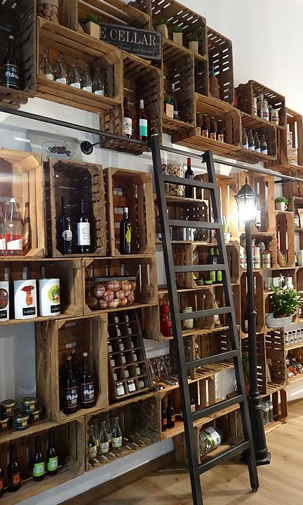 Rangements de bouteilles de vin à partir de vieilles caissettes.