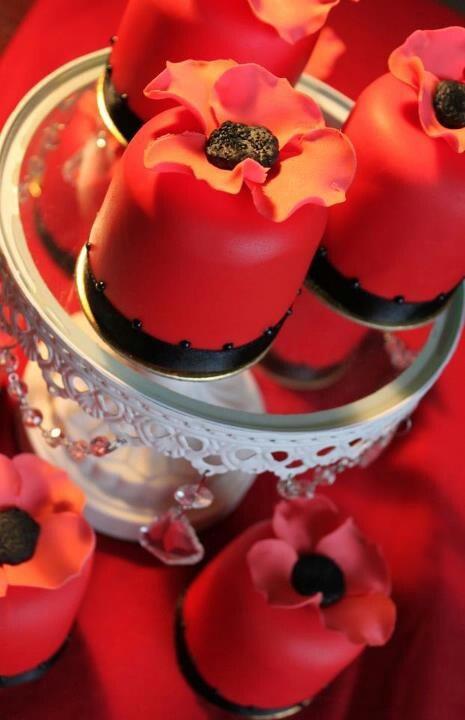Poppy day - ❈ www.pinterest.com/WhoLoves/Rememberance-Day ❈ #RememberanceDay #Armistice Day #PoppyDay