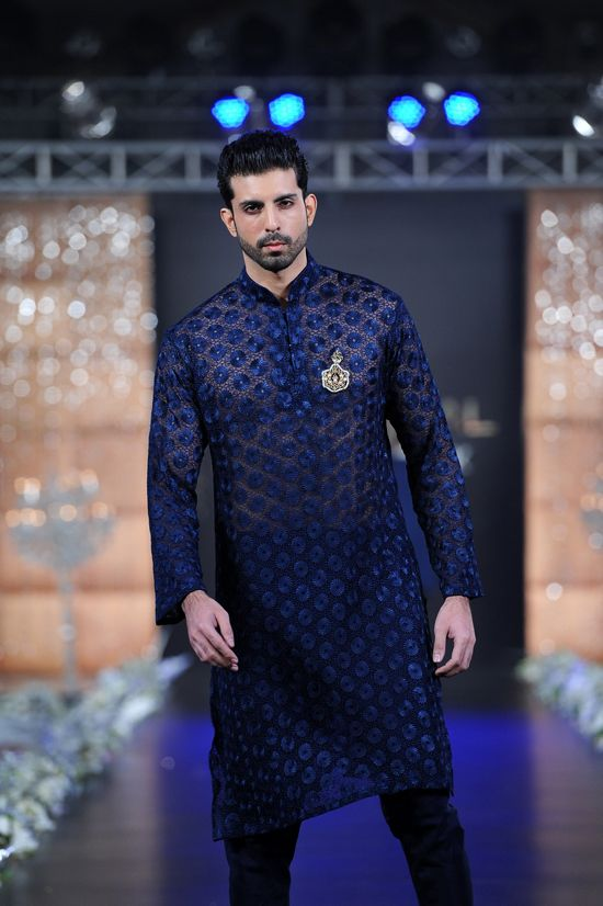 Blue kurta by Rouge